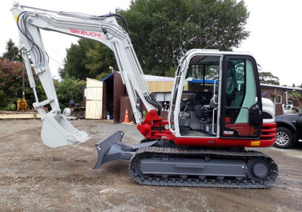 excavator hire whangarei